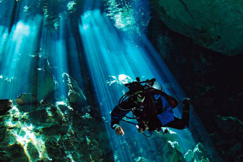 Buceo Bajo el Mar Caribe. www.milviajes.com